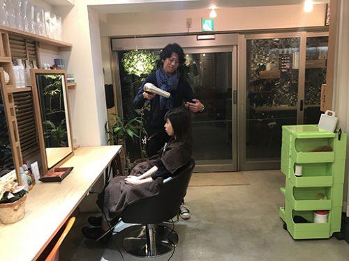 個人経営の美容サロンで100%Web予約のみ!顧客数が倍になる未来の美容室をご紹介!